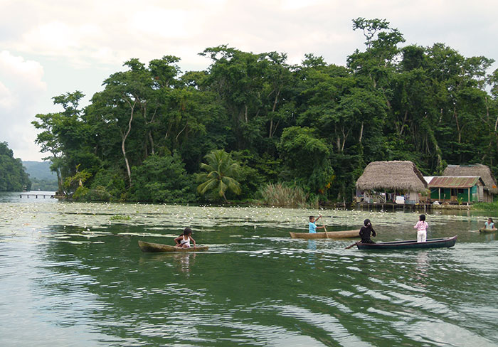 Guatemala río Livingston